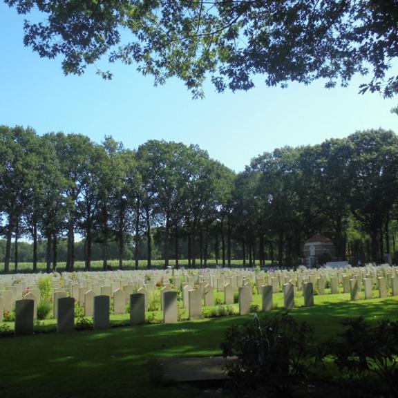 Airborne oorlogsbegraafplaats Oosterbeek